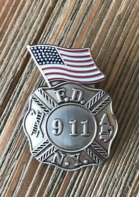 9-11 Commemorative NYPD and NYFD Pin with Flag #C5