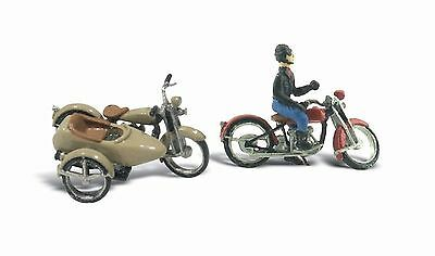 Motorcycle x 2 + 1 Sidecar for HO Model Train layout - Woodland D228