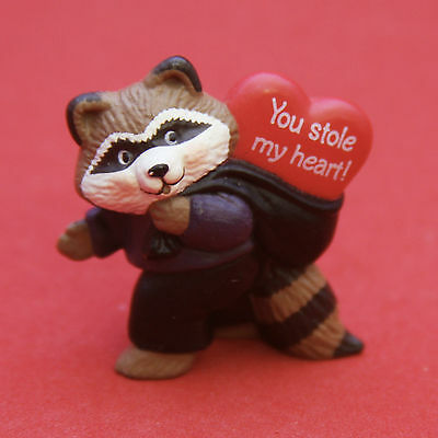 "Hallmark Merry Miniatures VALENTINES DAY 1991 Raccoon Thief ""YOU STOLE MY HEART"""