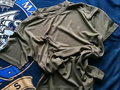 British Army Self wicking T shirt Coolmax Size 160/80 Small Grade 1