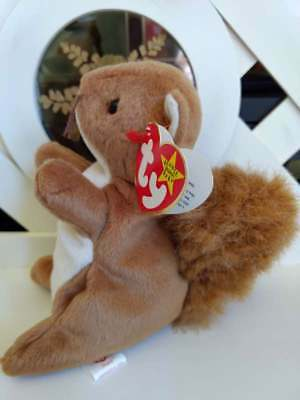 TY Beanie Baby Babies NUTS Squirrel NEW Retired from Year 1997 with PE Pellets