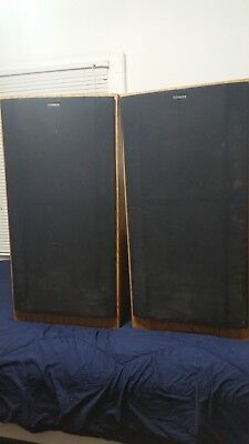 Set of Fisher Stereo Speakers in Cabinets - Studio-Standard ST-515 Home Audio