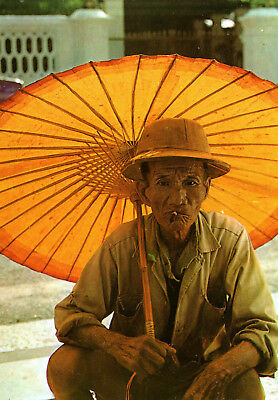 Singapore  -  A Chinese old man