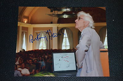 ANTONY HEWISH signed Autogramm In Person 20x25 NOBELPREIS PHYSIK 1974