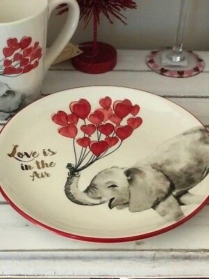 """Valentine's Day Plate """"Love is In The Air"""" Elephant Hearts NWT Pier 1"""