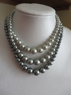 Vintage 1950s Unusual colour icy green grey 3 strand beaded necklace