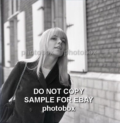 Exclusive Unpublished PHOTO  Ref 1201 France Gall