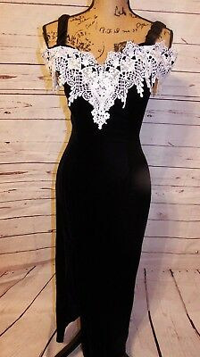 b27dcfd4a03 Jessica McClintock for Dillards Black Velvet Dress with White Lace Size 7 8