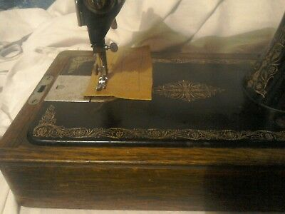 singer sewing machine 99k. HAND CRANK  SEE IT SEWING ON YOUTUBE