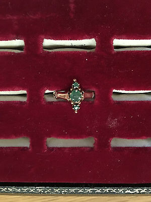 EMERALDS! Vintage Antique Victorian ladies ornate gold ring 3 prong set emeralds