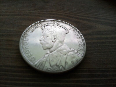 new zealand 1 Crown 1935   ( O.P : 8$, 25% ongoing discounts )