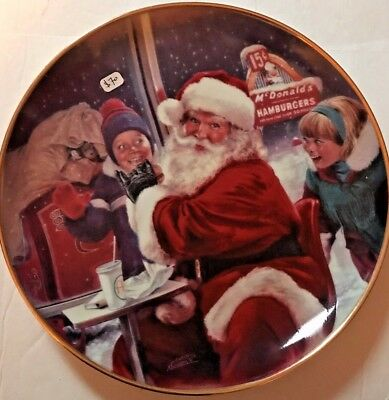 McDonalds Santa eating w/ Kids Commemoration Plate-Limited Edition