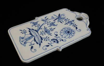 Meissen Blue Onion Cheese and Cracker Board, blue and white, crossed sword marks