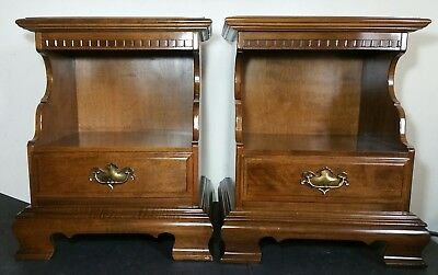 Ethan Allen - Pair of Classic Manor Night Stands/End Tables/Nightstands 15-5206