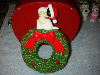 Peanuts Characters Snoopy and Woodstock Wreath Christmas Ceramic