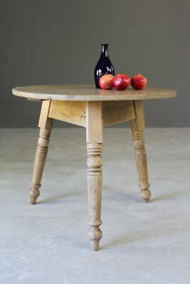 Antique 19th Century Rustic Pine Cricket Round Side Occasional Table