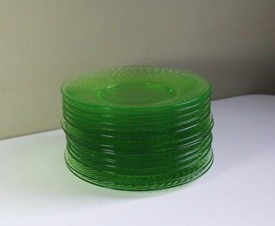 Set of 12 Vintage 1920's Green Spiral Depression Glass Luncheon Plates 8""