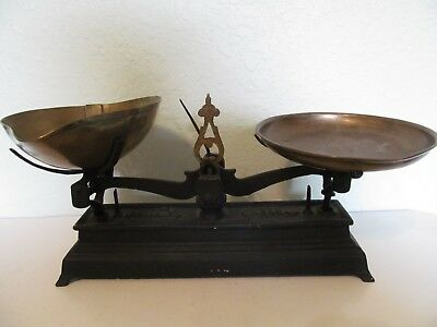 Cast Iron Antique Scale Brass scoop & Round pan