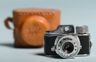 vintage mini HIT baby spy camera with original leather case 1949 works
