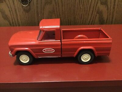 Vintage Tonka Red Jeep Pick Up Truck Pressed Steel In Excellent Condition 1960's