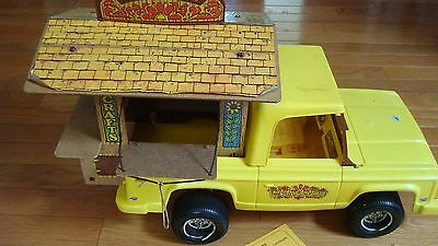 MATTEL 1974 Sunshine Family VAN TRUCK-PIGGYBACK CRAFT SHACK