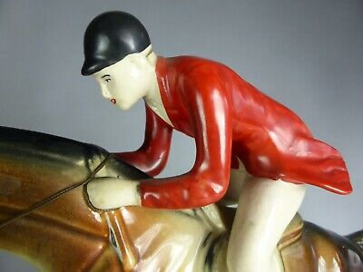 JOCKEY PIECE D'ART CERAMIQUE Hubert BEQUET CAVALIER CHEVAL PUR SANG JUMPING BELG
