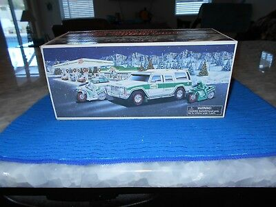 2004 Hess SPORT UTILITY VEHICLE And MOTORCYCLE, MINT, w/INSERT, Box, New