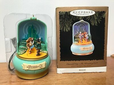 Hallmark Keepsake Magic Ornament - Emerald City - The Wizard of Oz - Used