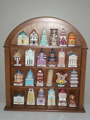 Rare Danbury Mint Spices of The World 24 Jar Set with Wooden Spice Rack Display