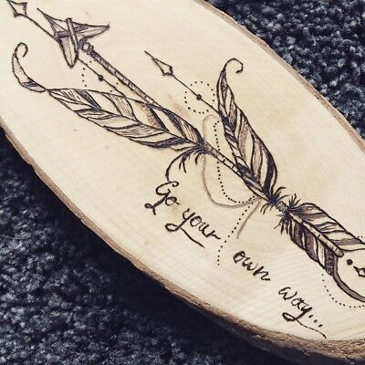 Wood board with Arrow  - handmade, pyrography