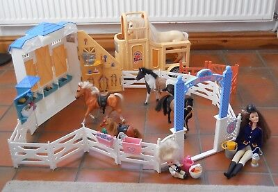 Barbie Horse Stable and Horse box set