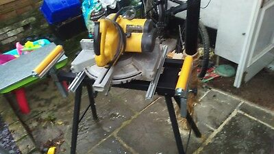 Dewalt DW700 240v Sliding Single Bevel Compound Chop/Mitre Saw Folding Saw Bench