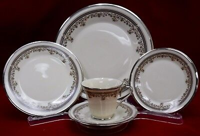LENOX china LACE POINT china 5-piece PLACE SETTING cup/saucer/dinner/salad/bread