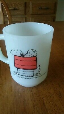 1958 Vintage Snoopy United Feature Syndicate Coffee Mug Anchor Hocking Fire King