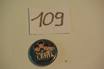 C109 Ancien pins badge Les Beatles vintage