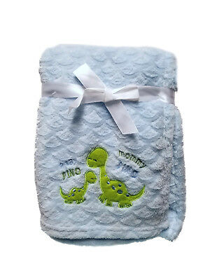 Snugly Baby Wave Embossed with Mommy & Baby Dino Aplica Plush Blanket