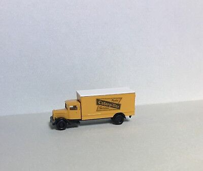 N SCALE 1940's CATERPILLAR TRUCK