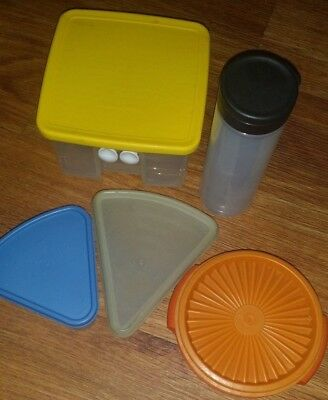 VINTAGE LOT OF 2 Tupperware Containers Piece Of Pie Blue Storage