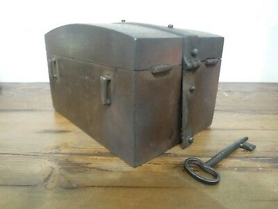 Cassaforte, forziere, eisentruhe, strong box, coffre, epoca 1600 ORIGINALE