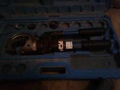 Cembre HT131-C, two speed, hand hydraulic crimper, crimping tool & case.