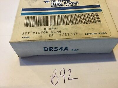 Wisconsin DR54A piston ring set