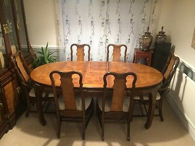 Rare Highly Polished MahoganyAntique Solid Wood Table w/ Extra Leafs & 6 Chairs