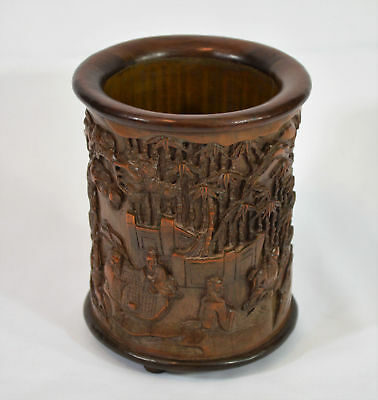 Very Beautiful Chinese Hand Carved  Brush Pot.