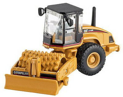 HO Scale Caterpillar Model - CP-563E Padfoot Drum Soil Compactor