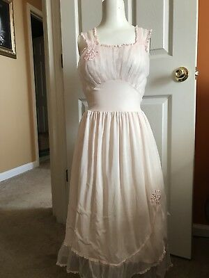 Vintage 1940s-1950s Nightgown Pink Lacy Size 36 Excellent Condition Negligee