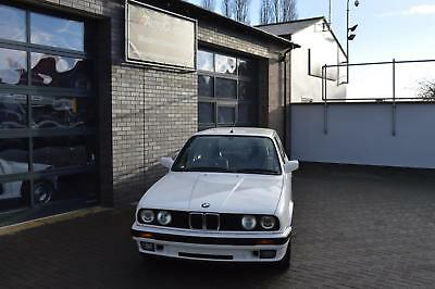 BMW E30 325i Touring -Last owner 20+ years, wonderful condition.
