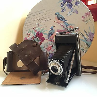Old Camera / 1950s / Vintage Camera and Leather Case / Agfa Agnar Billy Pronto