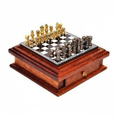 Dolls House Miniatures 1/12 scale Deluxe Chess Set and Board D2407