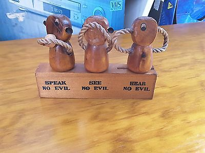 Retro Three Wise Monkey's Wooden Bar Set,speak No,see No,hear No Evil,vntage