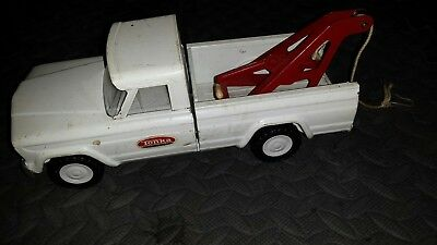 Tonka Pressed Steel White Jeep Tow Truck Vintage 1960's